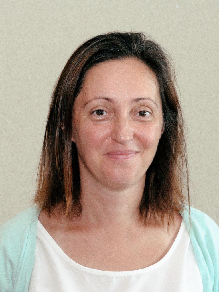 Simona Stănescu